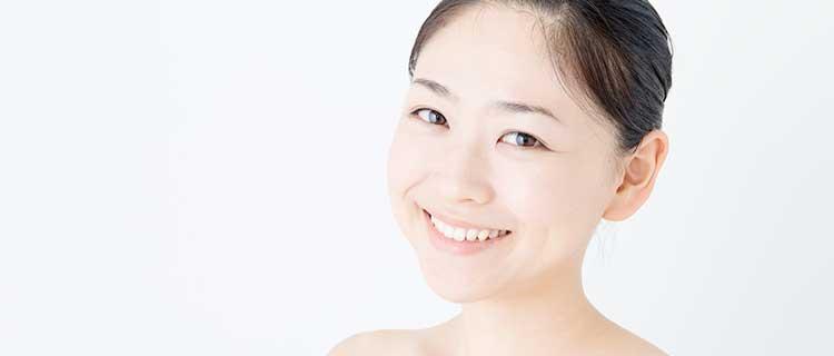 施術が終わり笑顔の女性