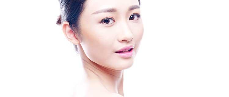 顔のきれいな女性