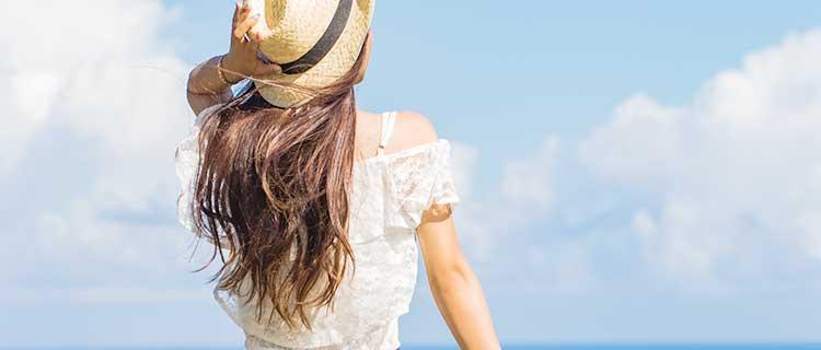 夏の女性画像