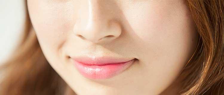 女性のきれいな鼻