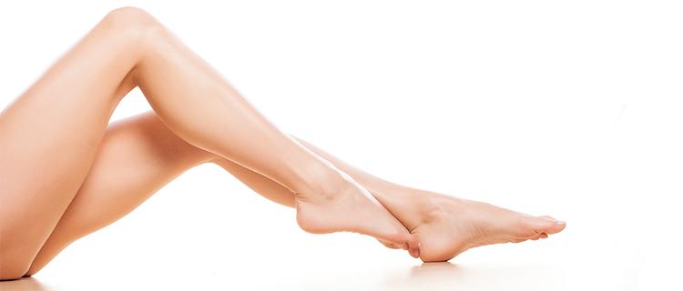 足がきれいな女性